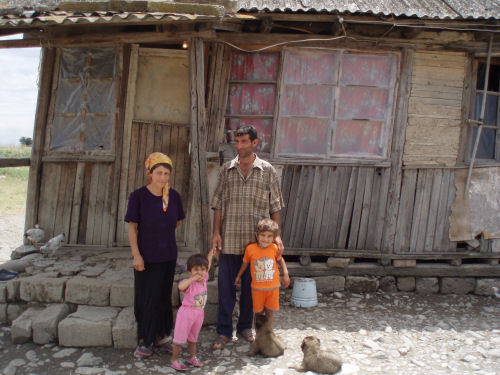 http://kivafellows.files.wordpress.com/2007/07/ali-kazimov-and-family-agsu-azerbaijan.jpg
