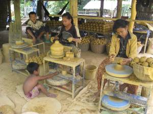 A Family business in Kampong Chhnang - the daughters are already expert at pottery-making