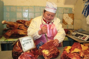 Meat saleswoman pays for her daughter to study in Japan