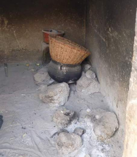 3-stone traditional stove