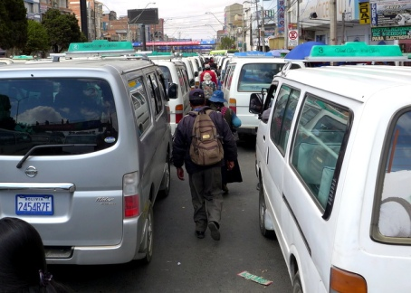 Road Race: Pedestrians usually win in La Paz
