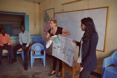 Explaining Kiva Zip to the borrowers