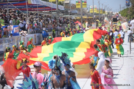 Barranquilla's flag during the Batalla of Flores parade (image from www.carnavaldebarranquilla.org)
