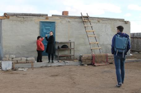 the new home Enkhtuya is building